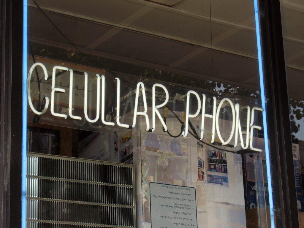 CELULLAR PHONE