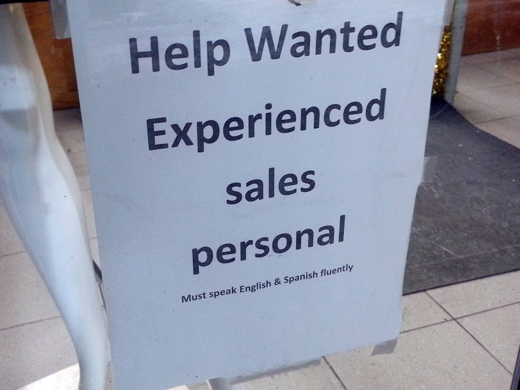 SALES PERSONAL (MUST SPEAK ENGLISH)