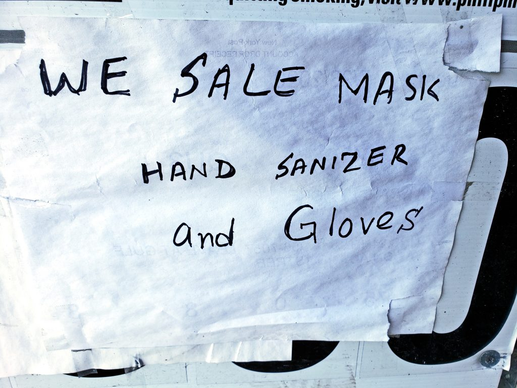 WE SALE HAND SANIZER AND GLOVES